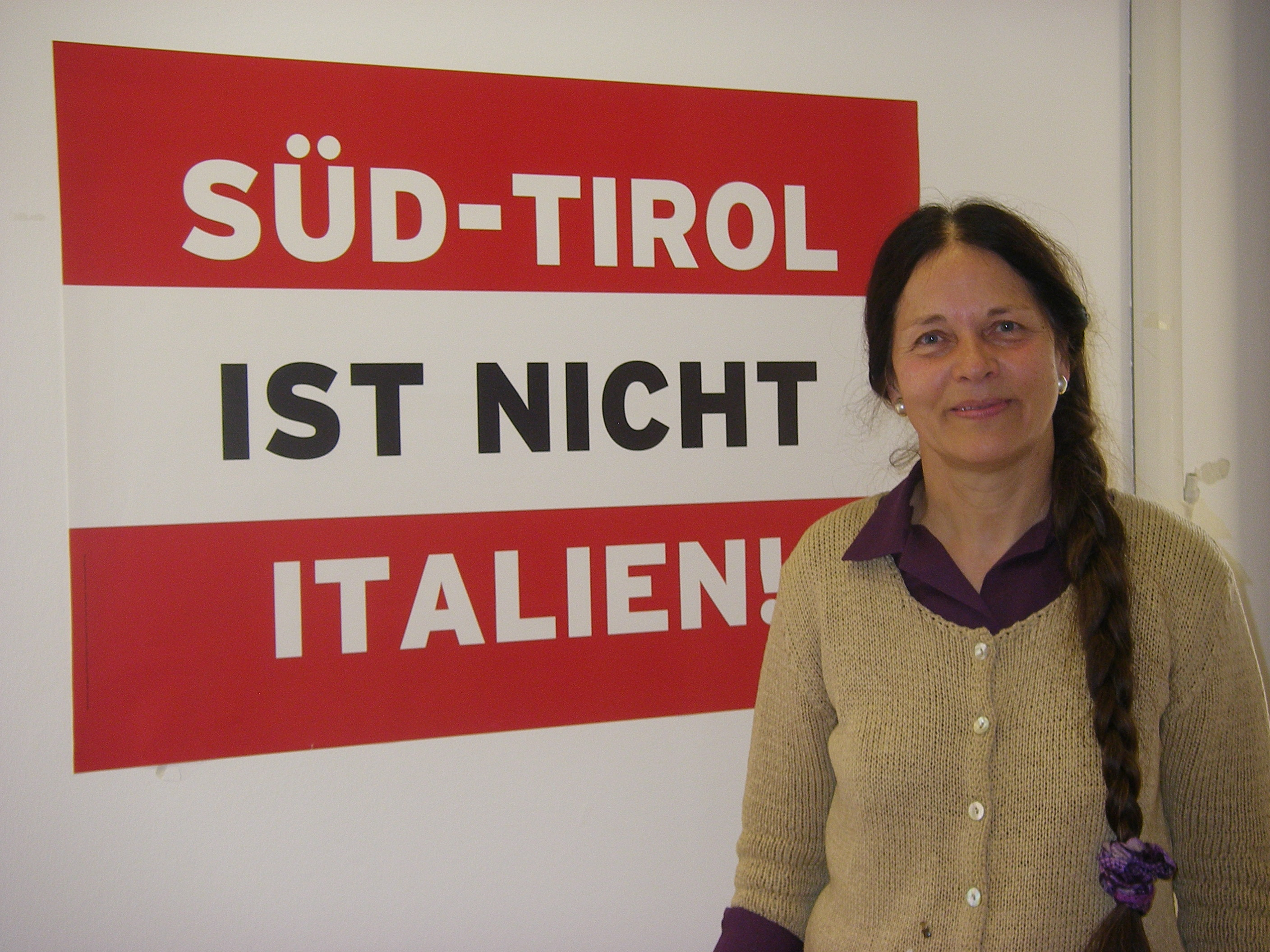 The parliamentarian Eva Klotz, founder of the German-speaking minority party Süd–Tiroler Freiheit, is one of the most active persons in the struggle for self determination of South Tyrol. An inherited […]