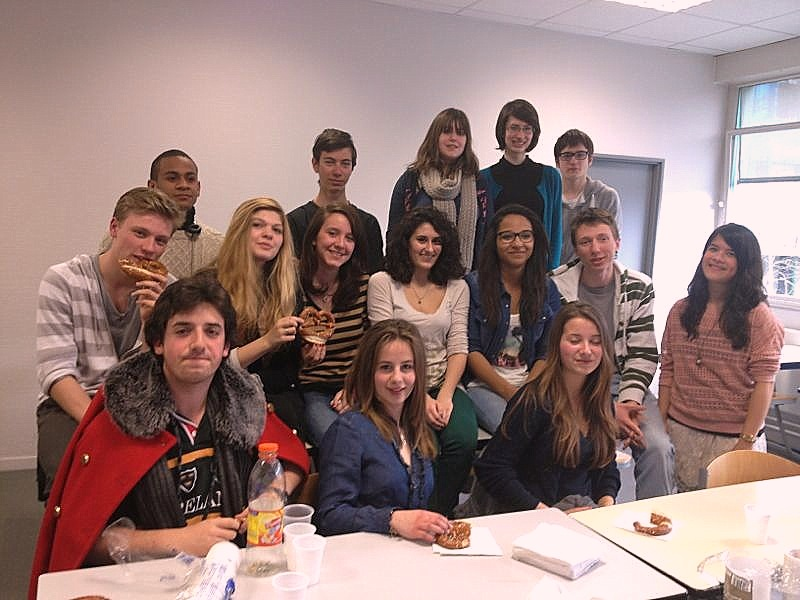 Anna (right) and one of her classes eating pretzels