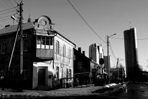 (The contrast between rich and poor is very apparent in the neighbourhood of Snipiskes. Photo: Agnete Vestergaard-Kristensen)