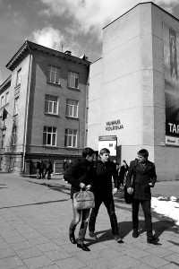 (Lithuanian teens leaving college. Only very few Roma make it to secondary school. Photo: Agnete Vestergaard-Kristensen)